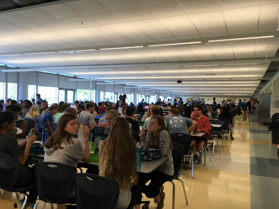 Students+and+Staff+Adjust+to+Shorter+Lunches