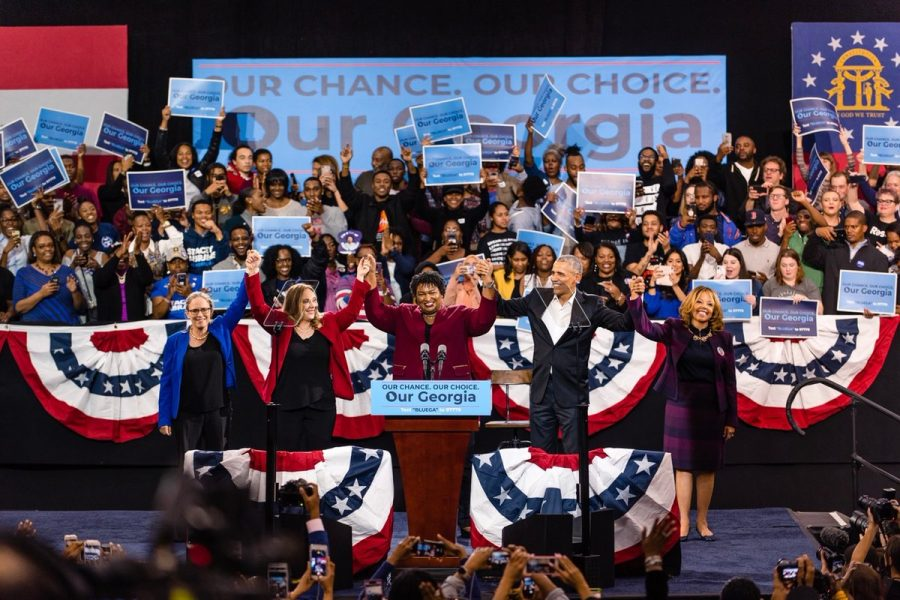 Democratic+Nominee+for+GA+Governor+Stacey+Abrams+stands+in+solidarity+with+former+POTUS+Barack+Obama+among+others.