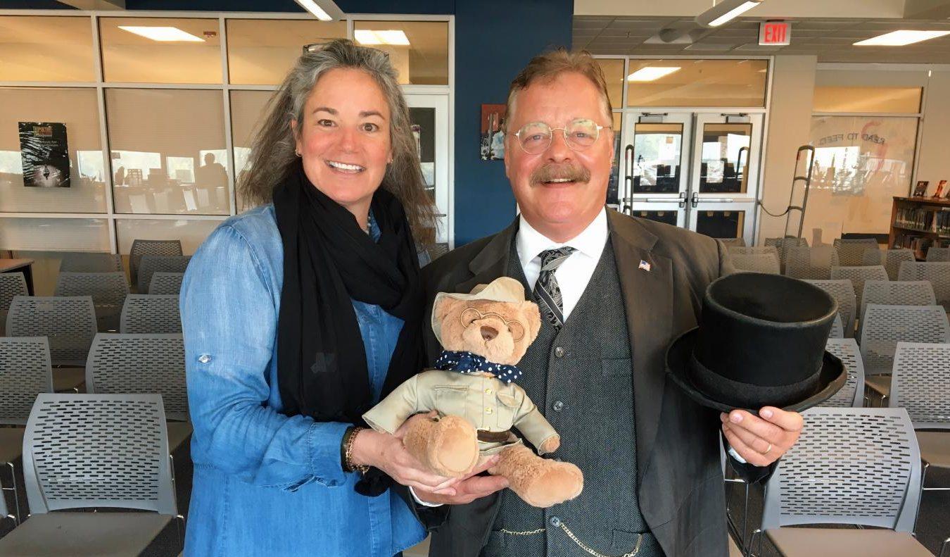 Roosevelt repriser Joe Wiegand with US History teacher Jennifer Tinnell.