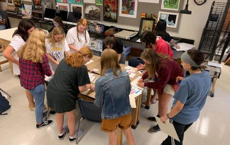 NAHS members gather on September 6 to prepare their art.