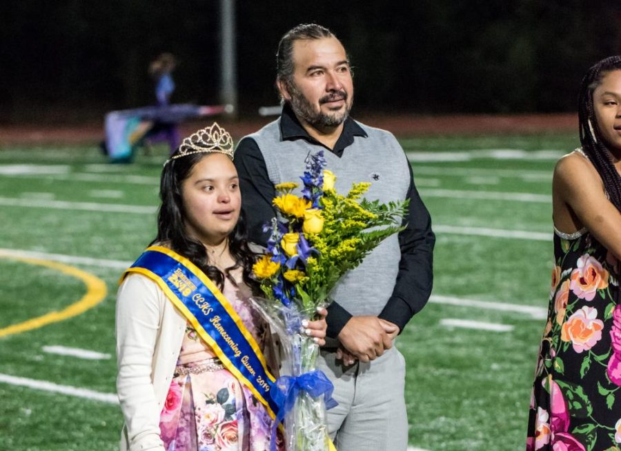 Homecoming+Queen+Dulce+Ruiz+is+crowned.