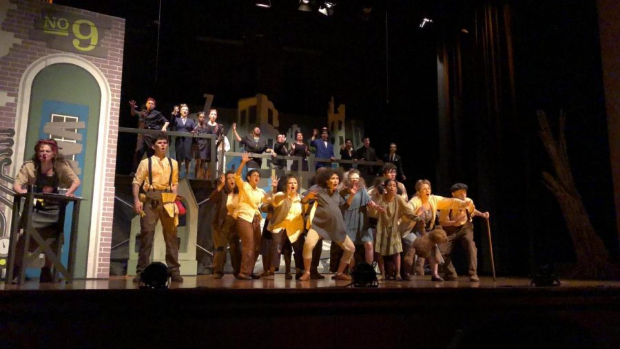Musical+Theater+students+performing+in+last+year%E2%80%99s+musical%2C+%E2%80%98Urinetown.%E2%80%99