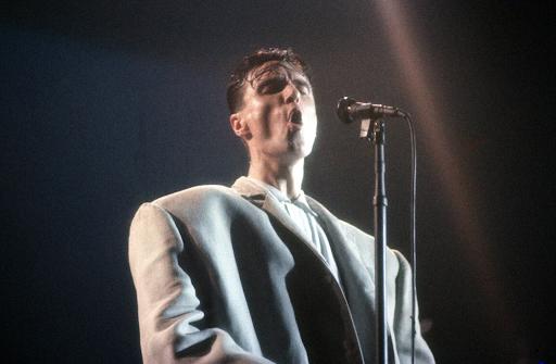 """David Byrne performing """"Girlfriend is Better"""" in Stop Making Sense"""